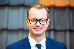 Dr. Matthias Frederichs, Hauptgeschäftsführer des Bundesverbandes der Deutschen Ziegelindustrie, freut sich über gute Ergebnisse. Im ersten Halbjahr 2019 konnten die Ziegelhersteller die Produktion leicht steigern.