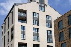 Putz erfreut sich großer Beliebtheit und gehört zu den häufig verwendeten Materialien bei der Fassadengestaltung.