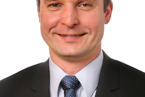 Markus Riedlberger leitet das Produkt Management Core Machines bei der Zeppelin Baumaschinen GmbH.