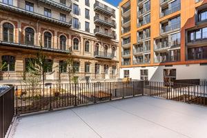 Bei der Sanierung des Altbaus achtete die CG Gruppe auf den Erhalt der historischen Bausubstanz – wie zum Beispiel der bestehenden Klinkerfassade.