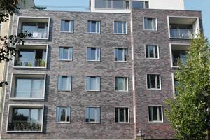 Eine der Zukunftsaufgaben in der Baubranche ist die energetische Sanierung der Bestandgebäude. Keramische Bekleidungen erfreuen sich dabei besonders in Norddeutlich großer Beliebtheit.
