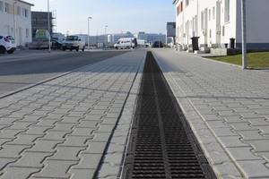 Das Neubaugebiet Walldorf im Jahr 2012, nach dem Einbau des Rinnensystems Drainfix Clean. Das System ist an alle planerischen und behördlichen Vorgaben anpassbar.