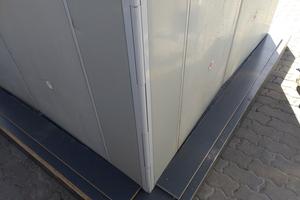 Die ebenfalls neue Gelenkecke ist mit Schalhaut belegt, was das Annageln von Einbauteilen erleichtert, und besitzt Kunststoff-buchsen, die nicht festrosten.