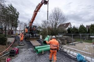 Im Auftrag der Stadtentwässerung Dortmund sanierte die Sanierungs-technik Dommel GmbH einen Mischwasserstrang in der Erlenbachstraße im Stadtbezirk Dortmund Aplerbeck.