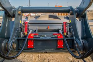 OilQuick bietet sein vollhydraulisches Schnellwechselsystem OQL in drei Größenvarianten – für Radlader von fünf bis 33 Tonnen Betriebsgewicht.