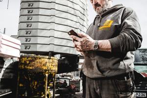 """""""Die Kollegen haben schnell gemerkt, dass die Stundeneingabe per App viel komfortabler ist!<irfontsize style=""""font-size: 7.000000pt;"""">Lars Volquardsen</irfontsize><irfontsize style=""""font-size: 7.000000pt;"""">, Geschäftsführer und Bauleiter bei der Edlef Jensen GmbH</irfontsize>"""