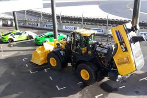 Der Radlader auf der Rennstrecke: Das Komatsu Event fand auf dem Gelände des Circuit des 24 Heures in Le Mans statt.