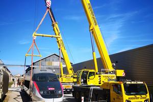 Das Umsetzen der 34 Tonnen schweren TGV Lokomotive auf ein Gleis im Technicentre SNCF Romilly Sur Seine war Zentimeterarbeit.