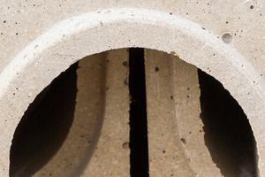 Die Dura-Elemente sind aus Polyceramic gefertigt, einem extrem robusten Material, das sowohl abriebfest als auch chemisch beständig ist und das keinerlei Feuchtigkeit aufnimmt.