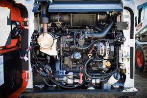 Mit dem neuen Bobcat-Motor wurden die Wartungsintervalle verlängert. Der erste Service ist nun nach 500 Stunden fällig.