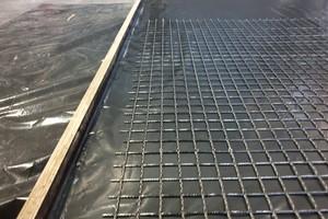 Die Carbonmatten werden ausgelegt, ...