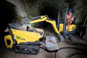 Da die Arbeiten im unterirdischen Gangsystem stattfanden, mussten die Maschinen emissionsfrei arbeiten.