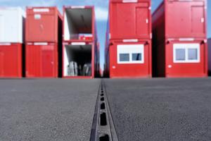 Das patentierte ACO Qmax System hält auch hohen Belastungen stand und überzeugt mit einfachem Handling und Verlegen auf der Baustelle.