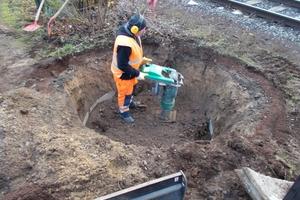 Neben dem eigentlichen Verdämmen der Rohre bietet die Sanierungstechnik Dommel GmbH auch alle weiteren notwendigen Tiefbauarbeiten wie zum Beispiel den Rückbau nicht mehr benötigter Schächte mit an.<br />