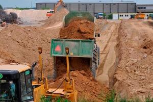 Flachgründung für den Neubau eines Logistik-Zentrums in Markgröningen: Die Fläche für die Stabilisierung wird vorbereitet.