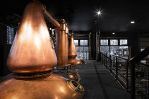 Whisky zählt zu den brennbaren Flüssigkeiten. Die Menge an Ethanol, die in der Luft verdunstet, wird daher genauestens überwacht.