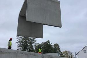 Die Wandstärken der Elemente betragen 14 cm, die Deckenstärken 23 cm. Alle Elemente wurden mit einer Länge von 3 m geplant. Die Höhen variieren dabei zwischen 0,85 m und 2,60 m. Die maximale Spannweite beträgt 5 m.