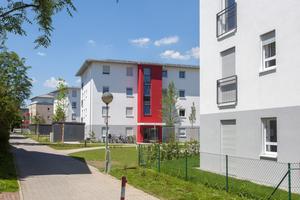 In Unterhaching errichtete die kommunale Baugesellschaft drei neue Wohnriegel aus massiven Mauerziegeln. Die Entscheidung für den Baustoff fiel aufgrund seiner Werthaltigkeit sowie hohem Schall- und Wärmeschutz.