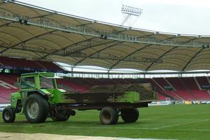 Zur Fußball-WM 2006 in Deutschland mussten sämtliche Spielstätten nach FIFA-Reglement die Sitzflächen überdachen und gemäß kommunalen Richtlinien das anfallende Regenwasser bewirtschaften.