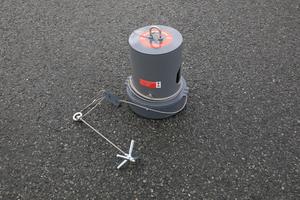 Köderstation Typ 2 mit Stahlseil und Anker.