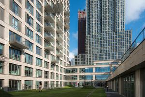 Das Wijnhaven-kwartier fügt sich gekonnt in das Stadtbild von Den Haag ein und bereichert die Skyline zugleich um eine moderne und urbane Komponente. Für den gelungenen ersten Eindruck sorgt die Fassade, die mit einer Systemlösung aus FZP II-T Hinterschnittankern und Keramikplatten ausgeführt wurde.
