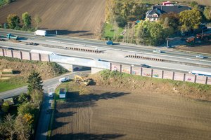 Die Ausgangssituation: Das Bestandsbauwerk mit einer Verkehrsführung 3+3 außen und Spundwandmittelverbau.