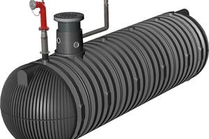 Vier Carat XXL Löschwasserbehälter mit je 52.000 Liter Volumen werden zur Löschwasserbevorratung genutzt.
