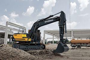 Mit neuen Technologien, günstigem Kraftstoffverbrauch, verbesserter Maschinenbedienung und längerer Verfügbarkeit setzt der HX220AL neue Akzente.