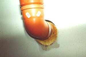 Wasserdurchlässige Dichtungsmaterialien bzw. fehlende Adhäsion