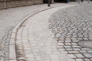 Der für die Fahrradfahrer vorgesehene Abschnitt der Franziskanergasse wurde im November 2019<br />innerhalb kürzester Zeit nachhaltig saniert. Die Stadt Amberg konnte hierfür auf Zuschüsse seitens des BMVI zurückgreifen.