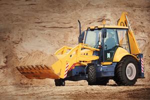 Der Reifen überzeugt durch große Profiltiefe, ein robustes Laufflächendesign, breite Stollen und hitzebeständige Komponenten (HRC).<br />