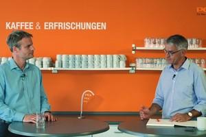 Thorsten Leppler, PCI Produktmanager Fliesen-/Natursteintechnik, und Markus Balleisen, Leiter Zentrale-Anwendungstechnik bei PCI, im Gespräch.