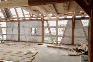 Das Fachmauerwerk war nur bruchstückhaft erhalten und musste entsprechend ertüchtigt werden.