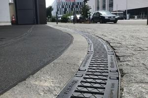 Faserfix Super Rinnen für Schwerverkehrsbereiche – die East Side Mall, ein Einkaufszentrum an der Warschauer Brücke in Berlin-Friedrichshain.