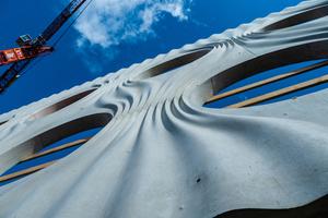 Die ausführende ARGE Baumeister hat zwei Ortbetonanlagen vor Ort installiert und stellt den Beton auf der Baustelle selbst her.