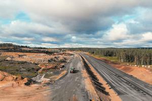 Mit 27 Kilometern Länge sowie mit bis zu vier Fahrspuren und 28 Einzelbauwerken ist die Riksvei 3/25 eine der größten und wichtigsten Bundesstraßen Norwegens.