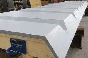 Die Formholzkästen für das Strukturband an allen Pfeilern wurden im Doka-Fertigservice hergestellt.<br />