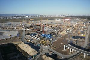 Blick auf die Baustelle, Stand 19. Mai 2020: Mit dem Bau von Terminal 3 im Süden des Flughafens sollen bis 2024 zusätzliche Kapazitäten für etwa 19 Millionen Reisende pro Jahr entstehen.