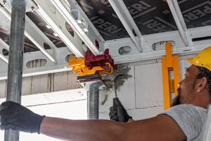 Mithilfe des Absenkkopfs lassen sich die Skymax Paneele bereits nach kurzer Zeit ausschalen und anschließend zusammen mit den Köpfen direkt für den nächsten Abschnitt verwenden.