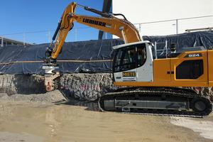 Zur Erstellung des Drainagegrabens erwies sich die Kombination eines 24-t-Baggers mit einer Kemroc-Kettenfräse EK 100 als brauchbar.