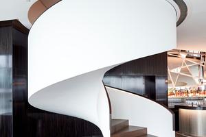 Dank Formteilen passt sich die Wendeltreppe exakt in die vorgesehene Öffnung ein.