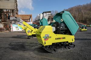 Das Ammann-Sortiment umfasst Rüttelplatten von 54 bis 825 Kilogramm.<br />