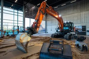 Die Bündelung der Steuerungen von moderner Anbautechnik und Systemen optimiert Arbeitsabläufe und maximiert die Sicherheit.