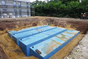 Die vier miteinander verbundenen KS-Bluebox-Elemente haben jeweils ein Fassungsvermögen von rund 50.000 Litern.