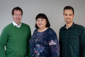 Die Sanierungstechnik Dommel GmbH erhält in der Niederlassung in Wiesbaden tatkräftige Unterstützung von (v.l.n.r) Stefan Schmidt, Jolanta Maier und Marius Braun.
