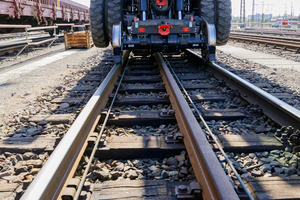 Der hydrostatische Schienenradantrieb zeichnet den Cat M323 F besonders aus.