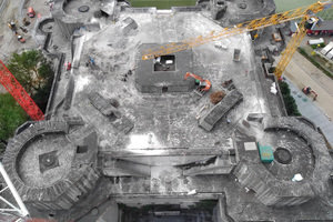 Die Lasten der Aufstockung müssen gezielt auf eine begrenzte Fläche der Bunkerdecke abgeleitet werden.