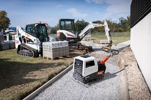 Maschinen für leichte Verdichtungsarbeiten kommen unter anderem im Bauwesen, im Straßenbau sowie im Garten- und Landschaftsbau zum Einsatz.