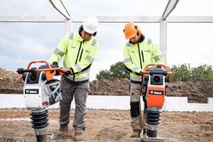 Die Vibrationsstampfer sind leicht zu transportieren und werden daher häufig zur Straßeninstandhaltung eingesetzt.