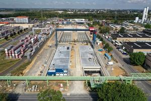 Der Container-terminal II: nur noch wenige Baugewerke vor der Inbetriebnahme.